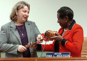 Gayle McLaughlin accepting the gavel as new Mayor of Richmond, CA 2006